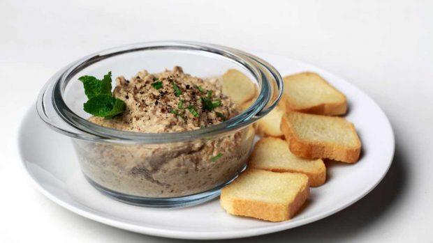 Las mejores recetas de patés veganos para una cena de picoteo saludable