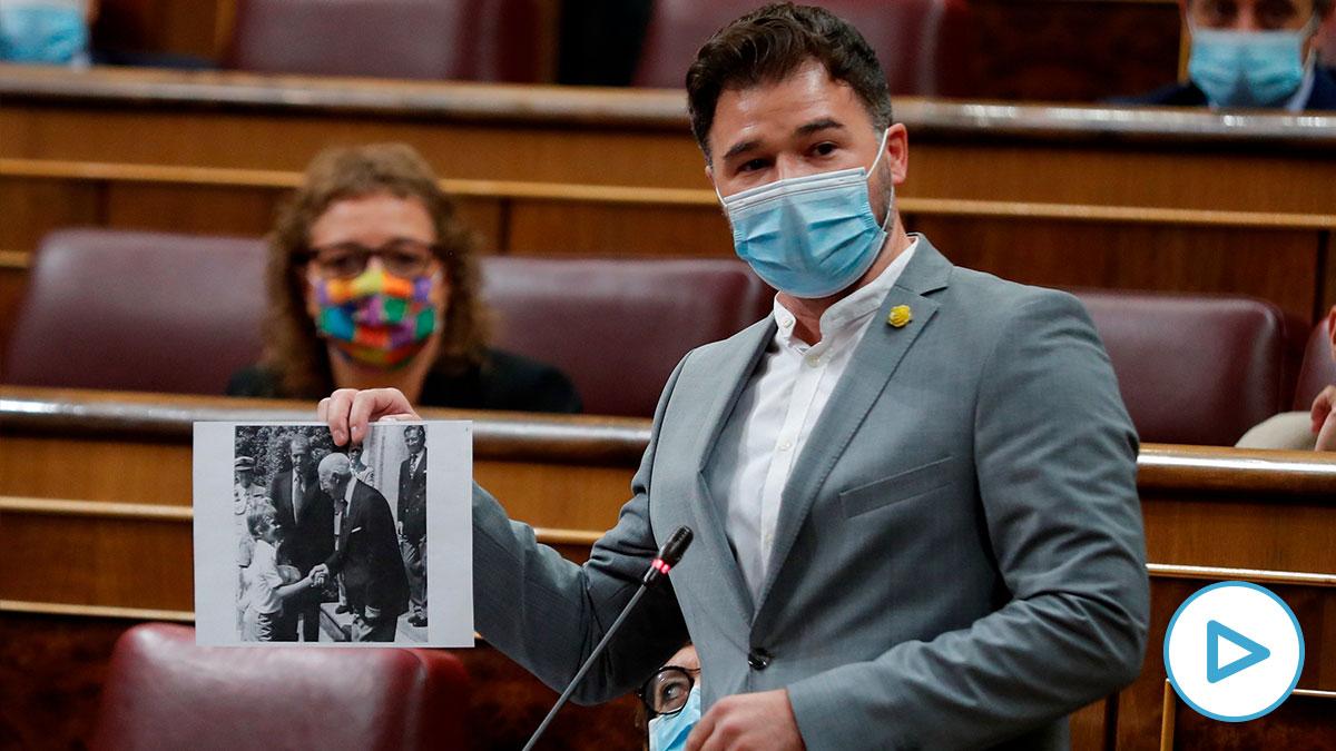 El portavoz de ERC en el Congreso, Gabriel Rufián, atacando al Rey este miércoles. (Foto: EFE)