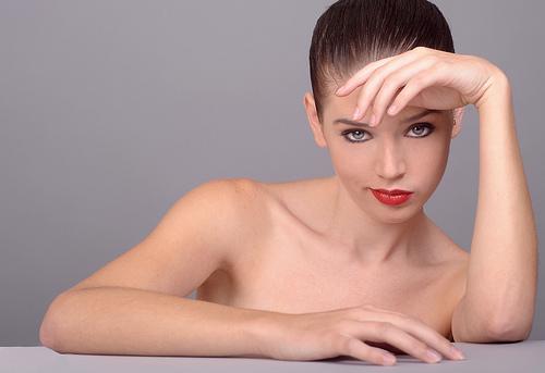 ¿Qué es la hinchazón facial y por qué sucede?