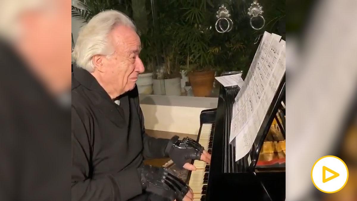 Twitter: Un hombre de 79 años vuelve a tocar el piano gracias a unos guantes biónicos