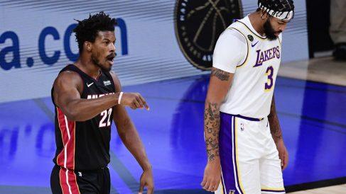 Butler, en el tercer partido contra los Lakers. (AFP)