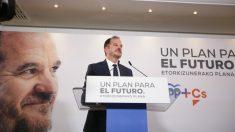 Carlos Iturgaiz. (Iñaki Berasaluce-Europa Press)