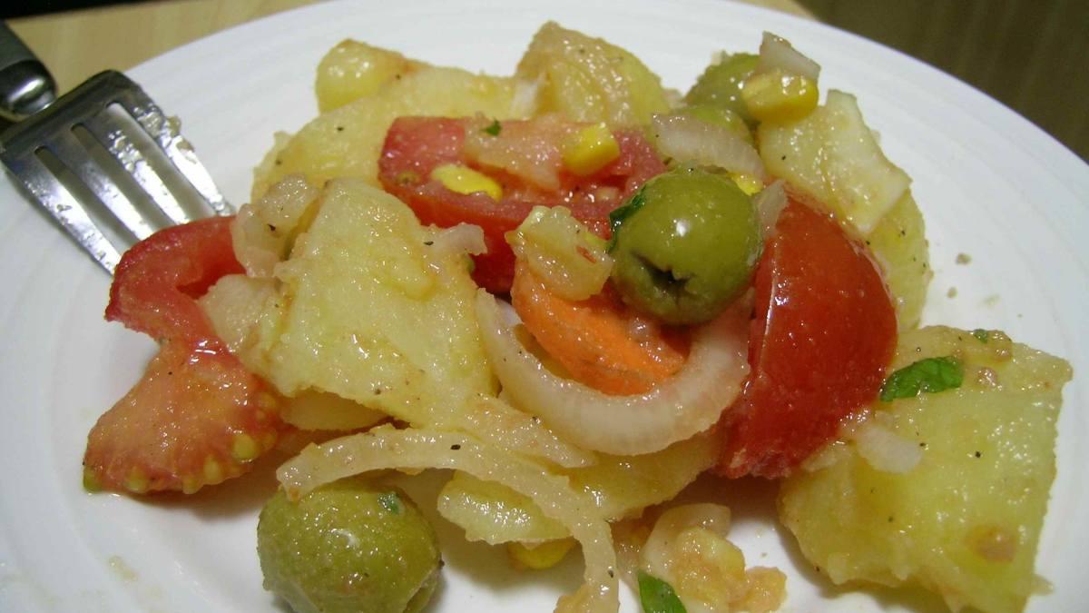 Receta de Ensalada de patatas a la vinagreta con encurtidos