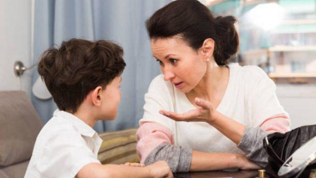 Cómo hablar sobre temas difíciles con los niños