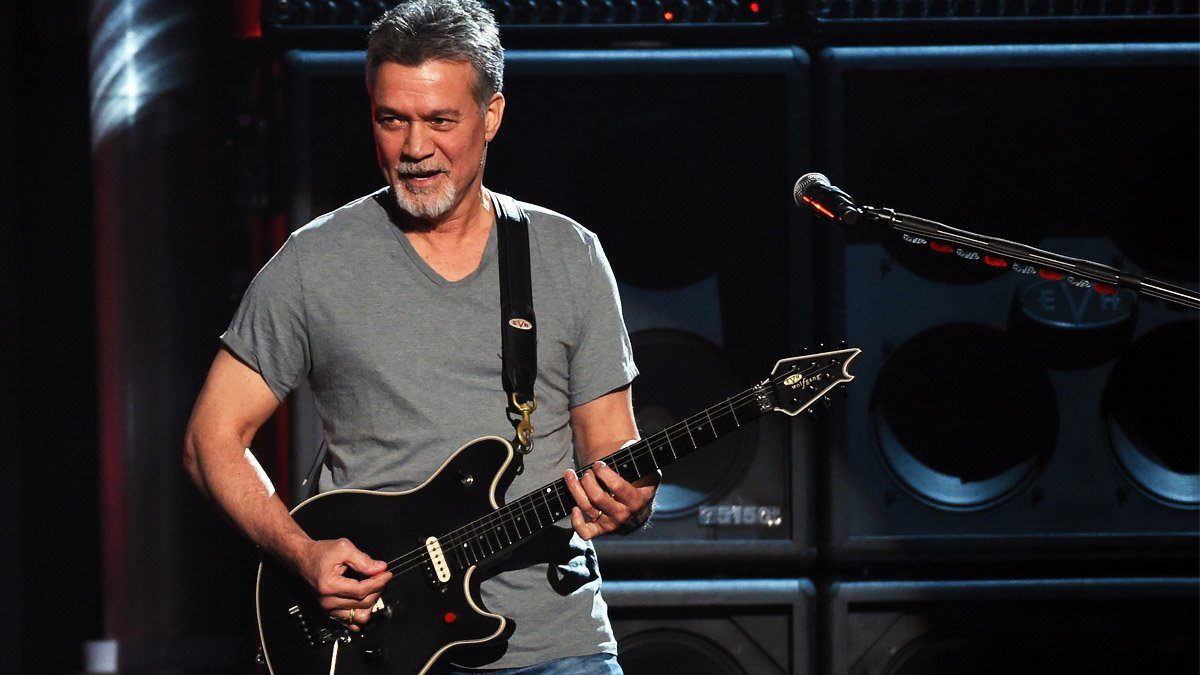 Eddie Van Halen en una actuación en Las Vegas en 2015 (Foto: AFP)