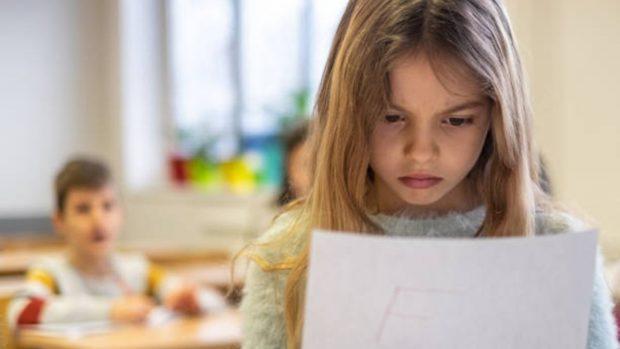 """Niños y escuela: ¿Qué alimentos son los mejores y cuáles son los que hay que evitar para afrontar los exámenes"""""""
