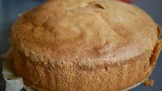 Receta de deliciosa merienda_ bizcocho de avellanas y miel