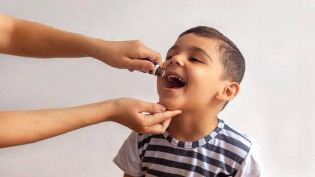 6 trucos para conseguir que los niños tomen sus medicamentos de forma fácil