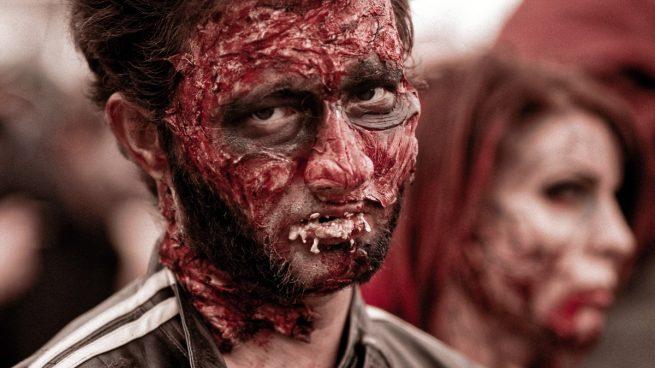 cortes falsos en la piel para Halloween