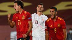 Mikel Oyarzabal celebra su gol en el España-Suiza. (AFP)