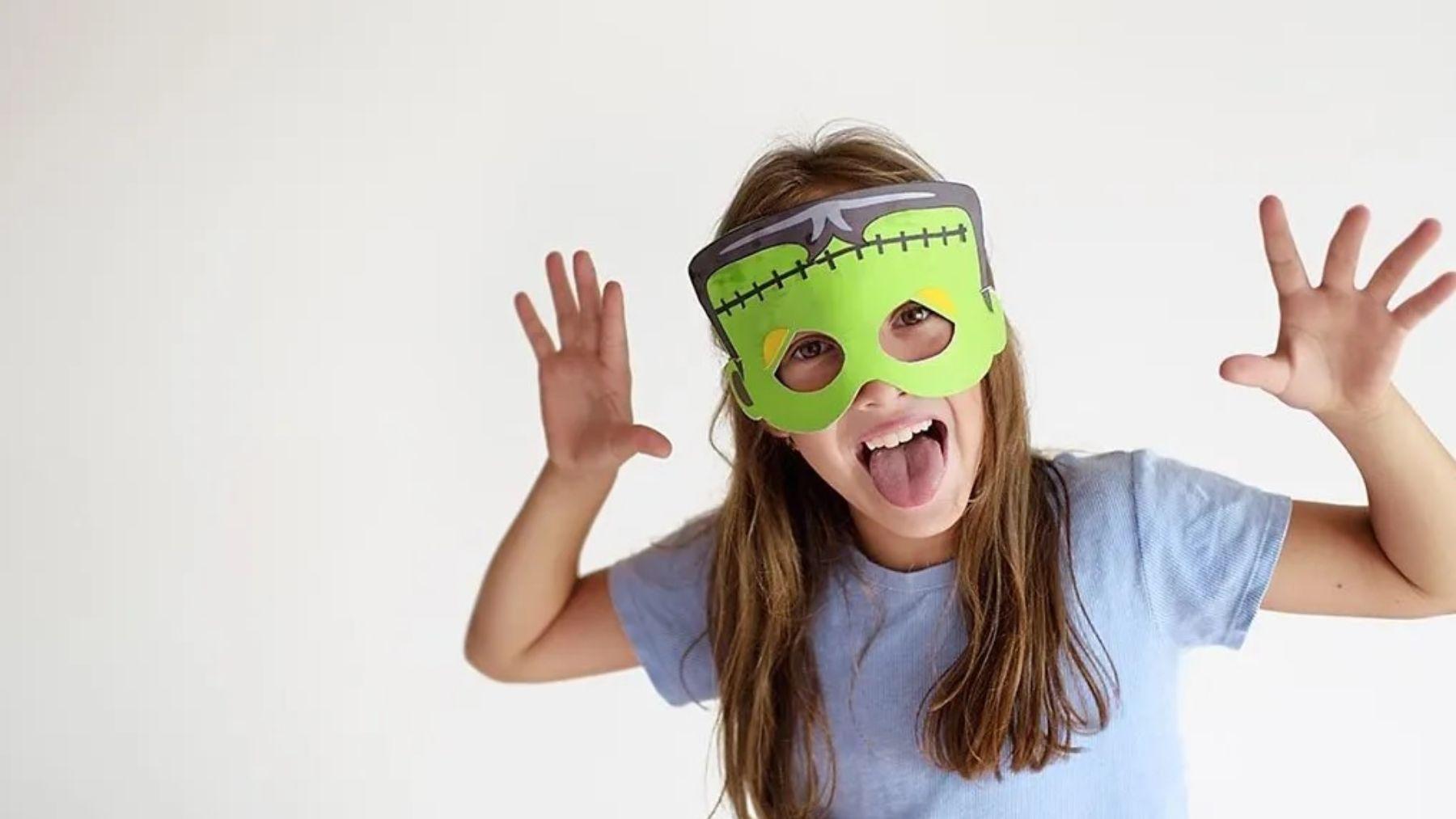 Os ofrecemos varias ideas para hacer máscaras de Halloween para los niños