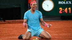 Rafa Nadal celebra la conquista de su decimotercer Ronald Garros. (AFP)