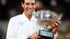 Nadal posa con su decimotercer Roland Garros (Getty)