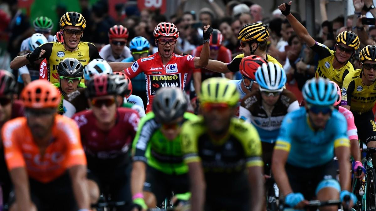 Primoz Roglic celebra su triunfo en la última edición de la Vuelta a España. (AFP)