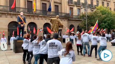 Acto de Bildu contra el Rey, en Pamplona.
