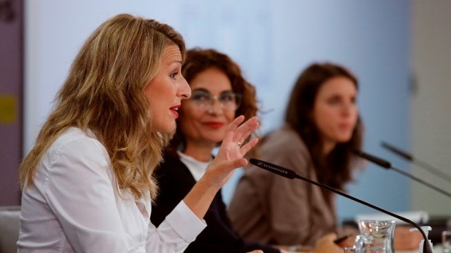 El Gobierno limita los pagos en efectivo a 1.000 euros y prohíbe las amnistías fiscales por ley