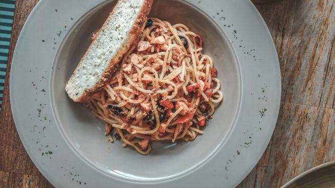 Receta de espaguetis konjac a la Provenza