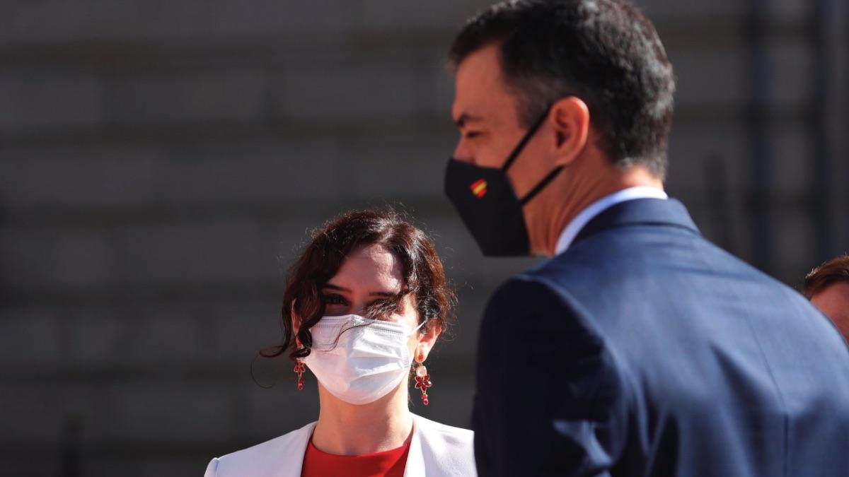 Isabel Díaz Ayuso y Pedro Sánchez. (Foto: Comunidad)