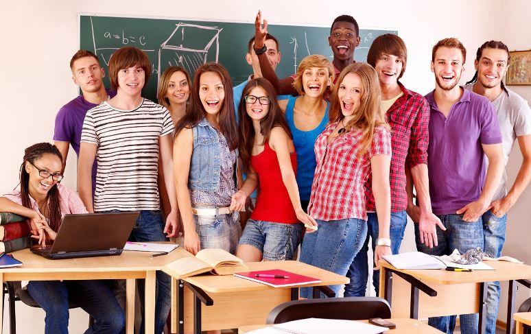 El Consejo de Gobierno andaluz recomienda desarrollar una estrategia Covid-19 en colegios mayores y residencias universitarias
