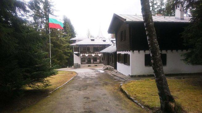 Simeón de Bulgaria recupera su palacio tras ordenar el juez su devolución