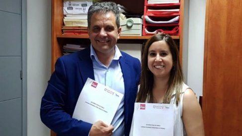 El alcalde de Parla, Ramón Jurado, junto a su socio de Gobierno, Podemos. (Foto: PSOE)
