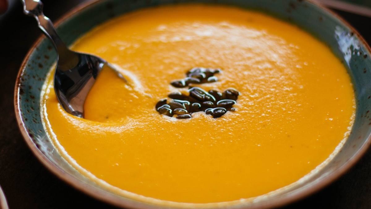 Receta de Crema de calabaza y curry: una cena de otoño, sana y reconfortante