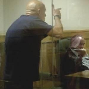 Una diputada de Más Madrid simula pegar un tiro a un consejero de Ayuso en el uso de la palabra