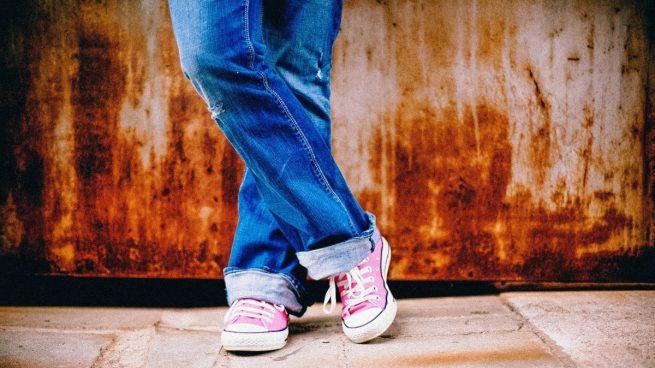 Cómo meter el bajo del pantalón sin coser
