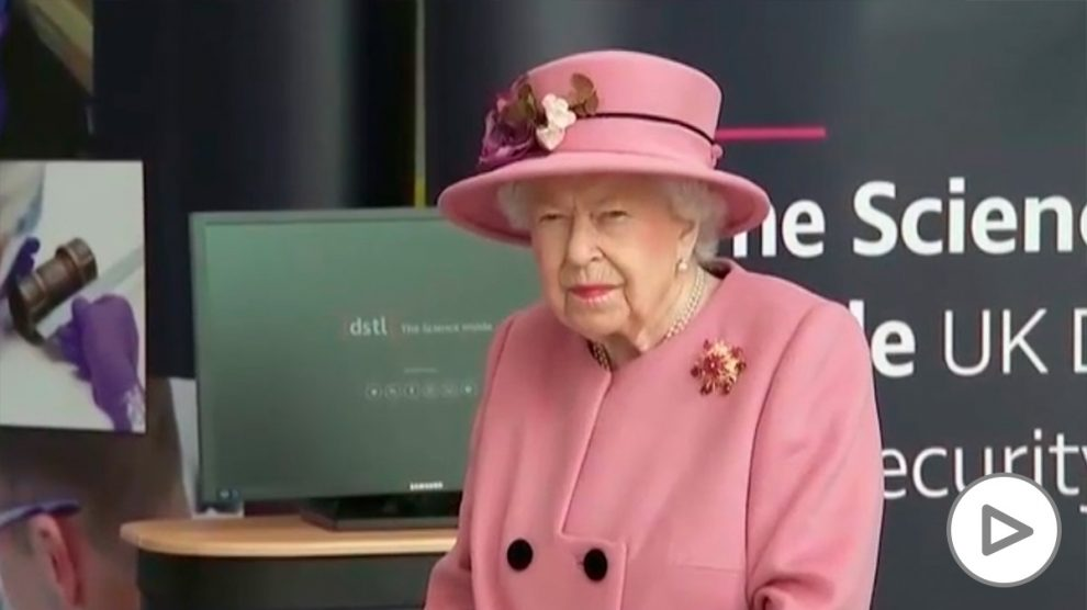 La reina de Inglaterra acude a su primer acto oficial desde el inicio de la pandemia.