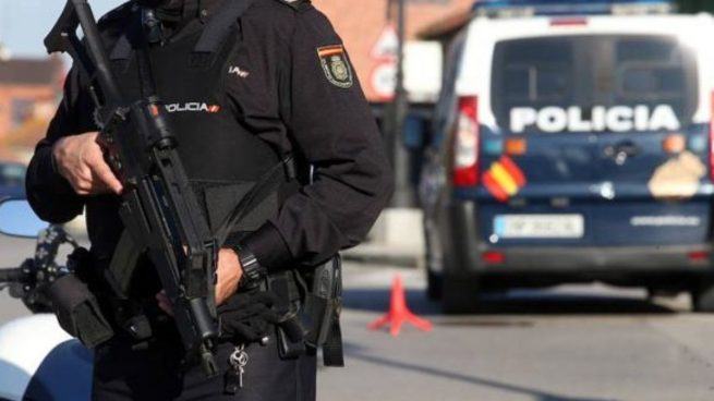 La Policía Nacional detiene a dos jóvenes por tenencia de armas en Marbella