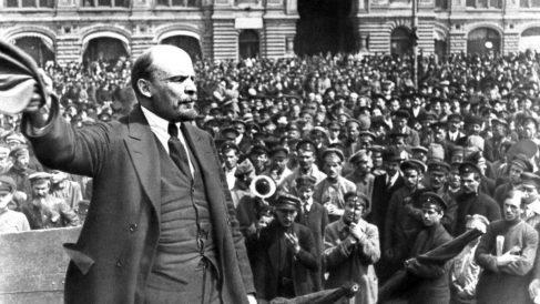 El 25 de octubre se produce la Revolución de Octubre