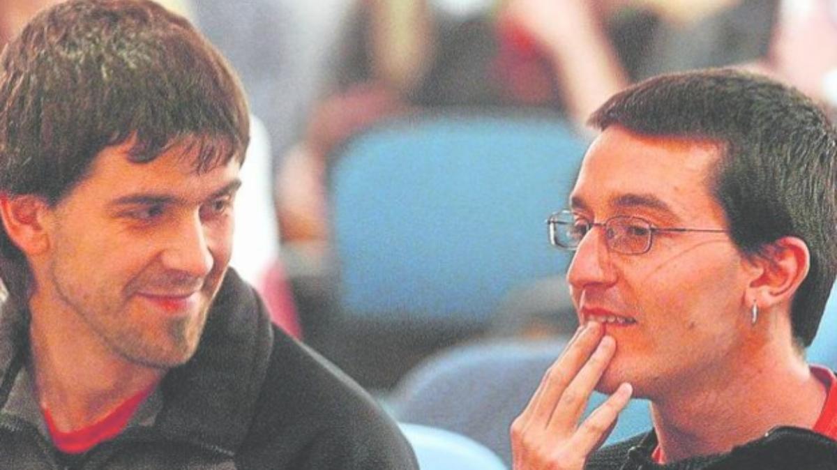 Gorka Lorán, a la derecha, y Garikoitz Arruarte, los dos etarras que trataron de ejecutar una masacre en el AVE en la Navidad de 2003.
