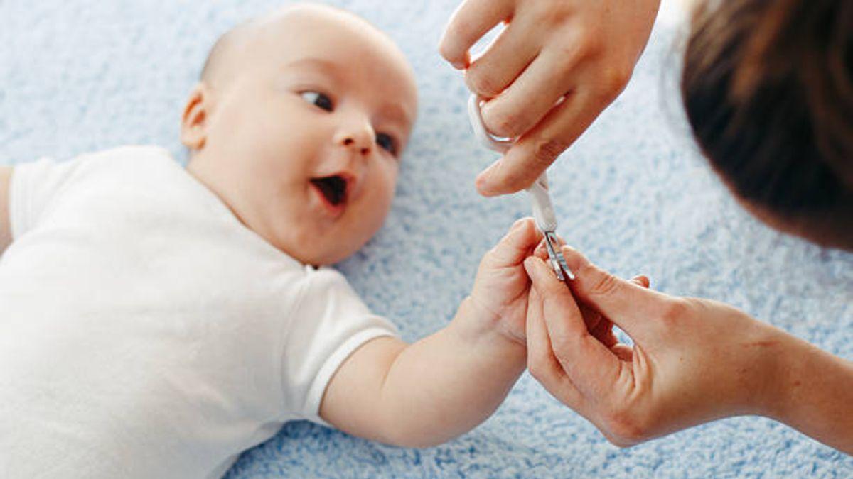 Todos los cuidados y cómo cortar las uñas de los niños