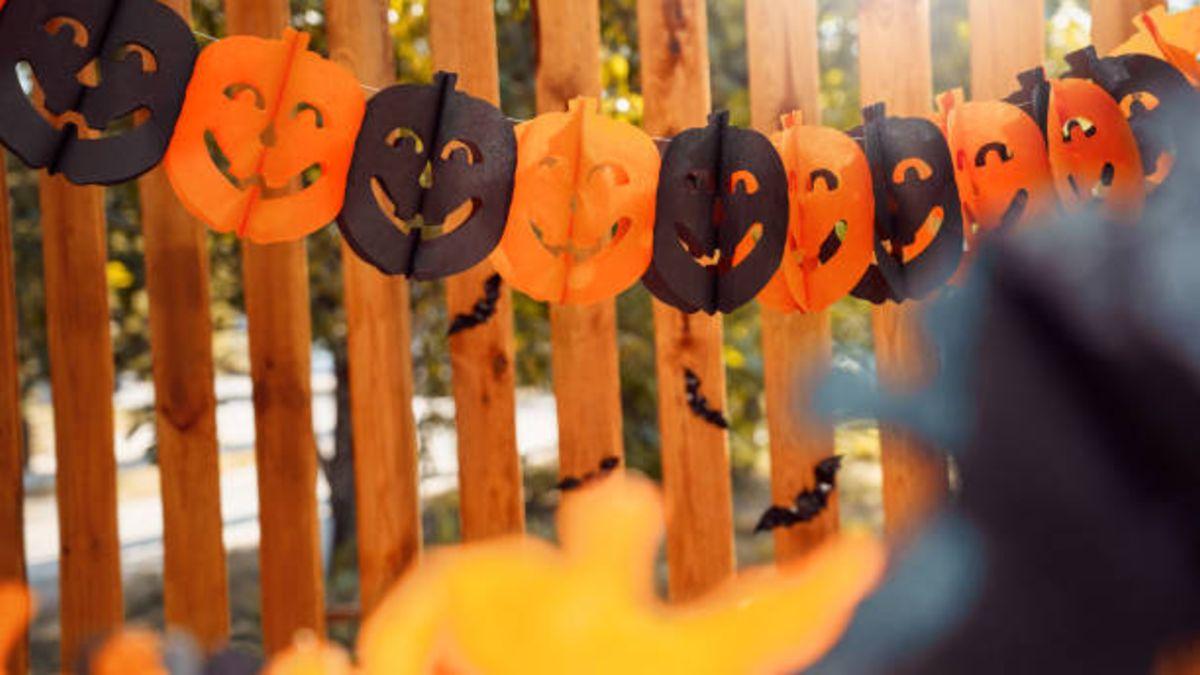 Tres ideas para hacer guirnaldas de Halloween con los niños