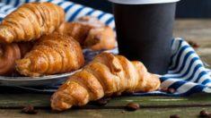 Croissant relleno de crema de café (2)
