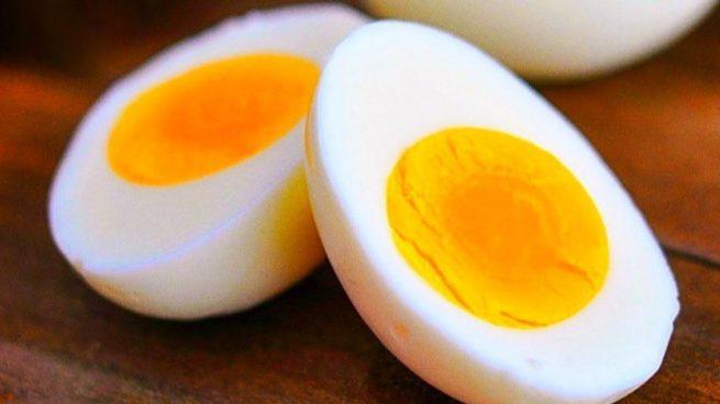 Este es el experimento viral en Twitter que demuestra los peligros de calentar un huevo en el microondas