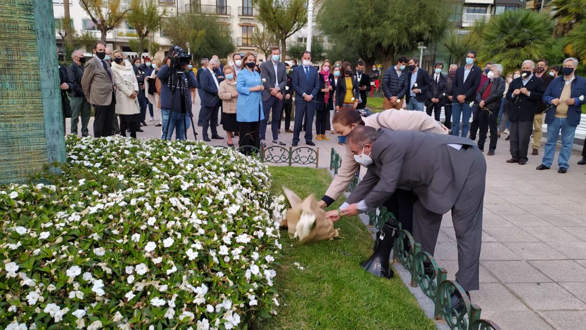 Homenaje de la AVT en San Sebastián a las víctimas de ETA