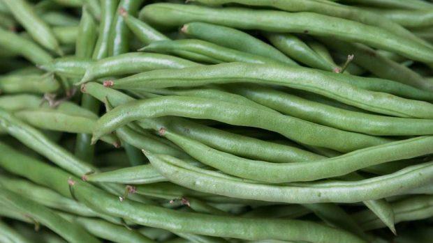Judías verdes cocinadas con semillas de sésamo