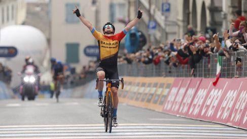 Tratnik celebra la victoria. (AFP)