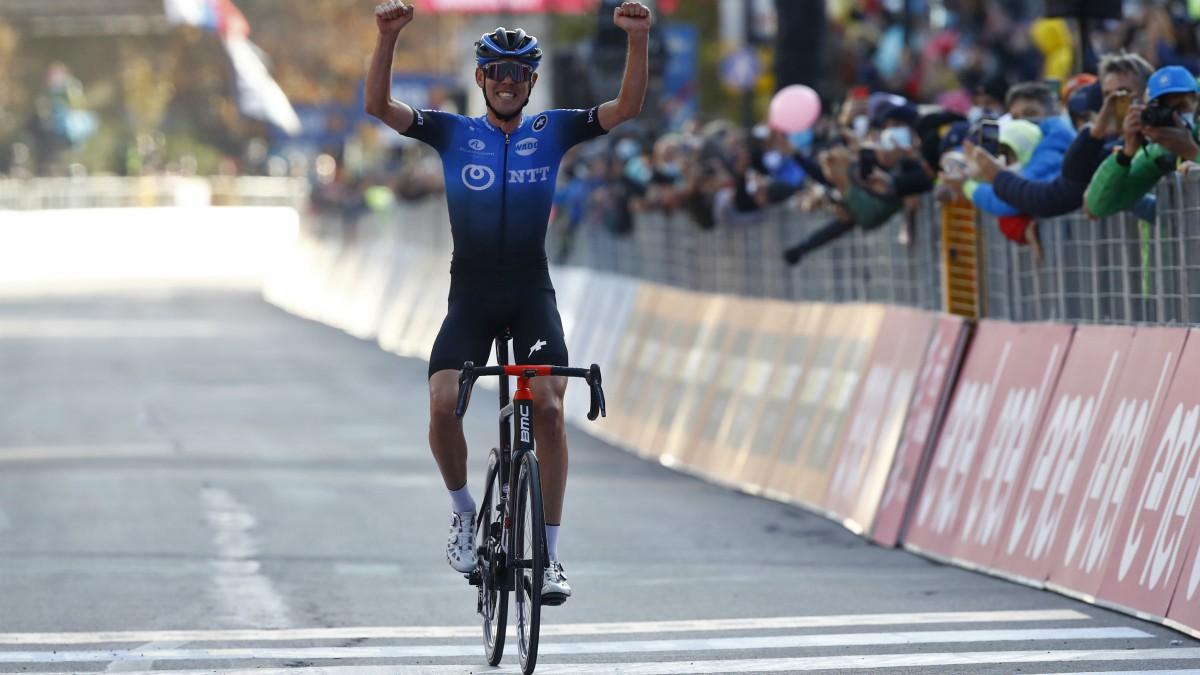 Ben O'Connor celebra la victoria. (AFP)