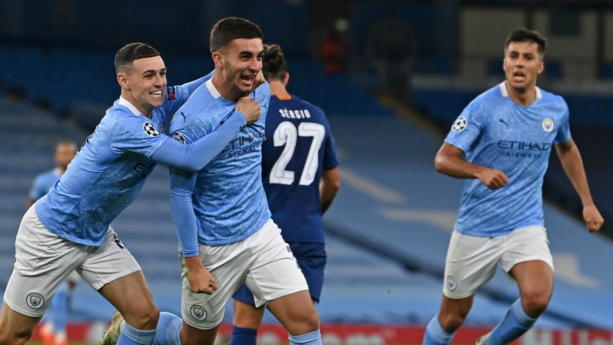 Ferran celebra un gol con el Manchester City. (AFP)