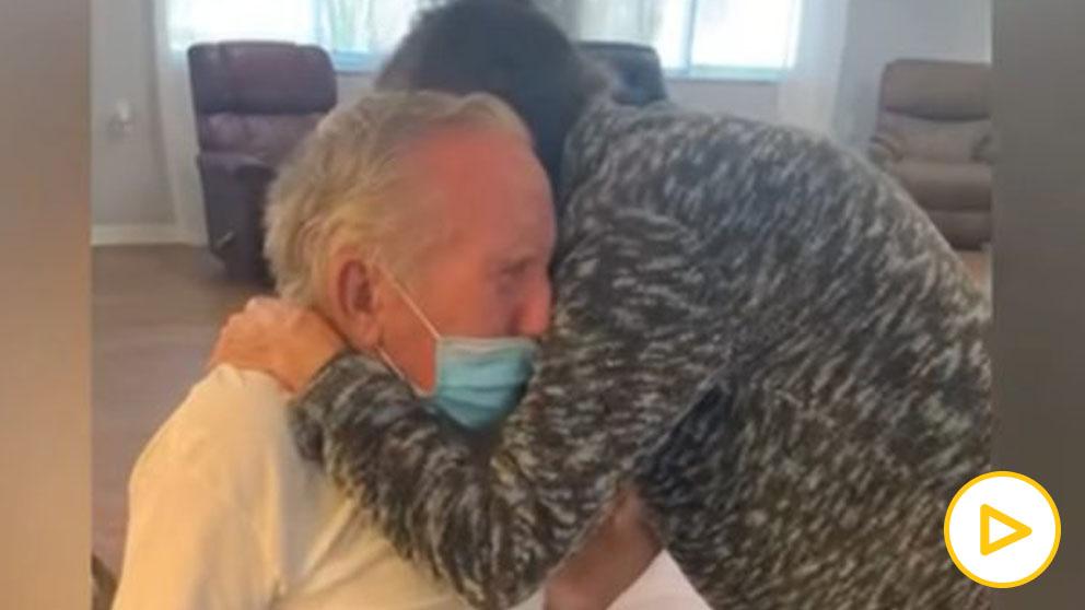 Emocionante vídeo de un matrimonio de ancianos vuelve a estar juntos después de 215 días separados por el coronavirus.