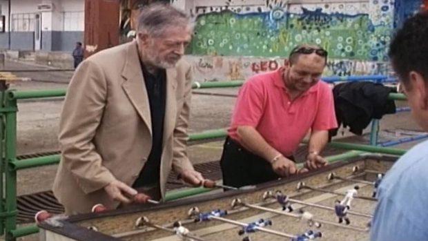 Alejandro Finisterre, el poeta gallego que inventó el futbolín