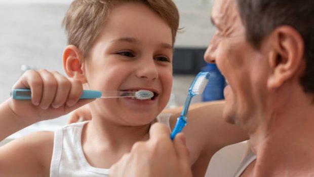 Higiene bucodental: Cómo cuidar los dientes de los niños a diferentes edades