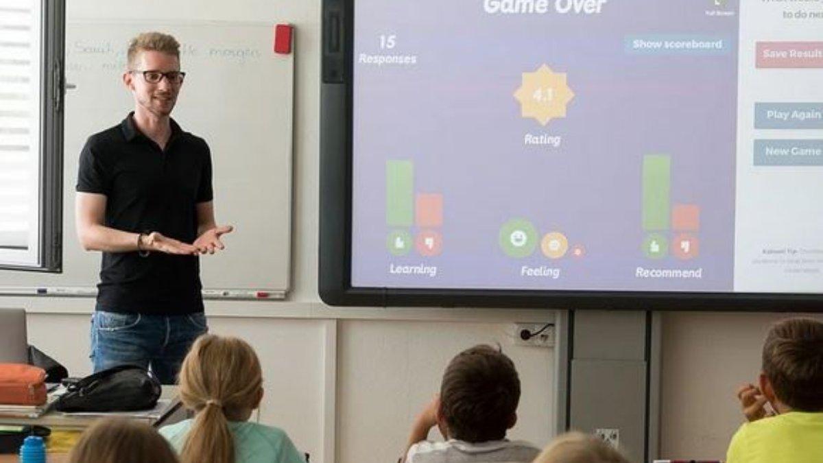 Una clase de un colegio de Sevilla se enteró que debería confinarse una semana de retraso
