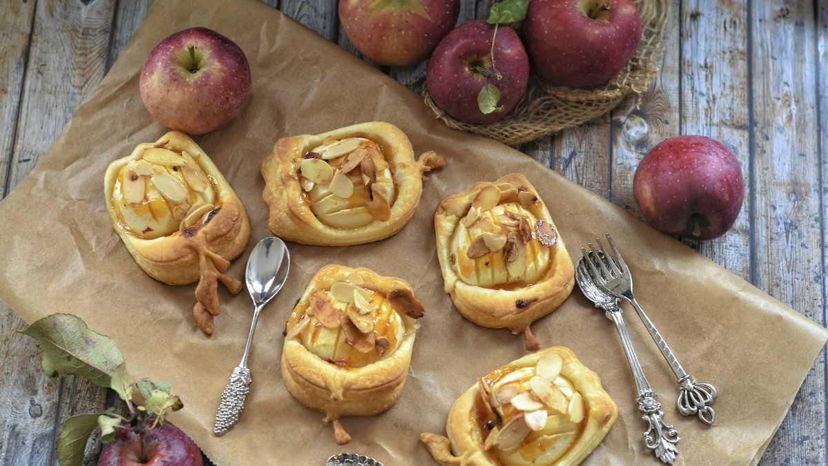 Receta de manzana hojaldrada rellena de frutos secos