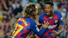 Griezmann y Ansu Fati celebran un gol con el Barcelona. (AFP)