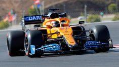 Carlos Sainz con su McLaren en los Libres 2 del Gran Premio de Portugal. (AFP)