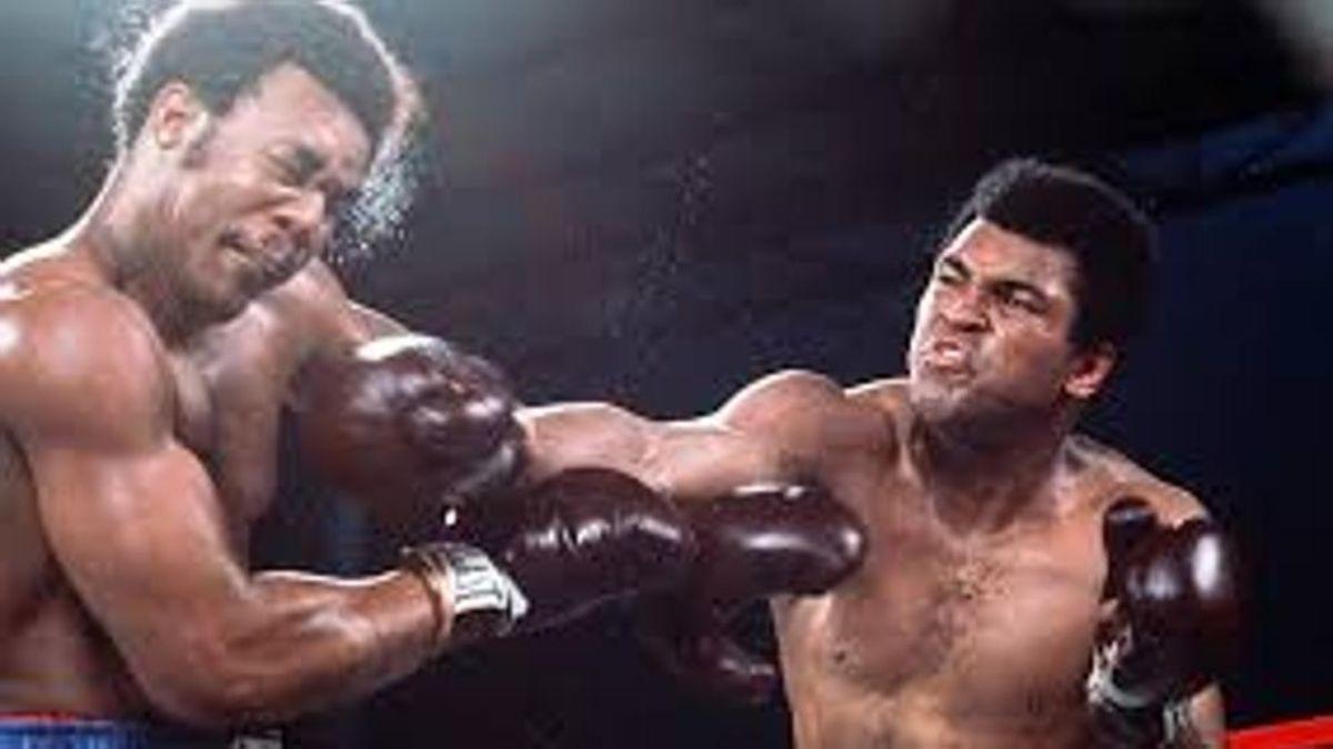 El 30 de octubre de 1974 Muhammad Ali venció a George Foreman en el combate del siglo