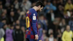 Leo Messi, cabizbajo en el último Clásico del Santiago Bernabéu. (Getty)